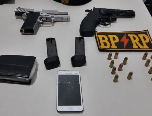 Policiais militares apreendem arma de fogo e um simulacro no Conjunto Maria do Carmo