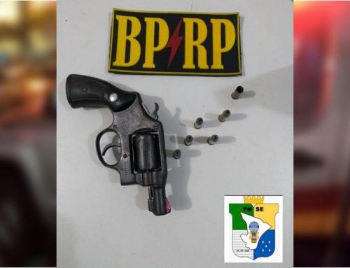 Policiais do BPRp  prendem homem com arma de fogo em bairro da Zona sul da capital
