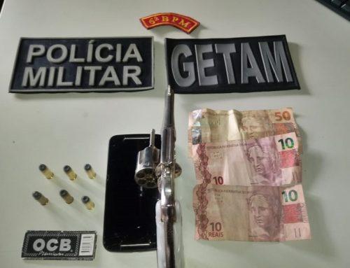 Policiais militares do 6º Batalhão prendem dupla com de arma de fogo em Estância